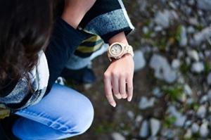 LAiMER Holzuhr CONNIE - Damen Armbanduhr aus 100% Ahornholz für einzigartigen Tragekomfort und Lifestyle - natürlich, federleicht, Südtirol - ein Meisterstück Natur -