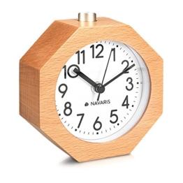 Navaris Analog Holz Wecker mit Snooze - Retro Uhr im Waben Design mit Ziffernblatt Alarm Licht - Leise Tischuhr ohne Ticken - Naturholz in Hellbraun - 1