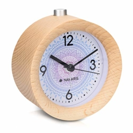 Navaris Analog Holz Wecker mit Snooze - Retro Uhr Rund mit Design Ziffernblatt Alarm Licht - Leise Tischuhr Ohne Ticken - Naturholz in Hellbraun - 1